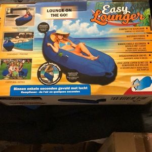 Easy Lounger NWT